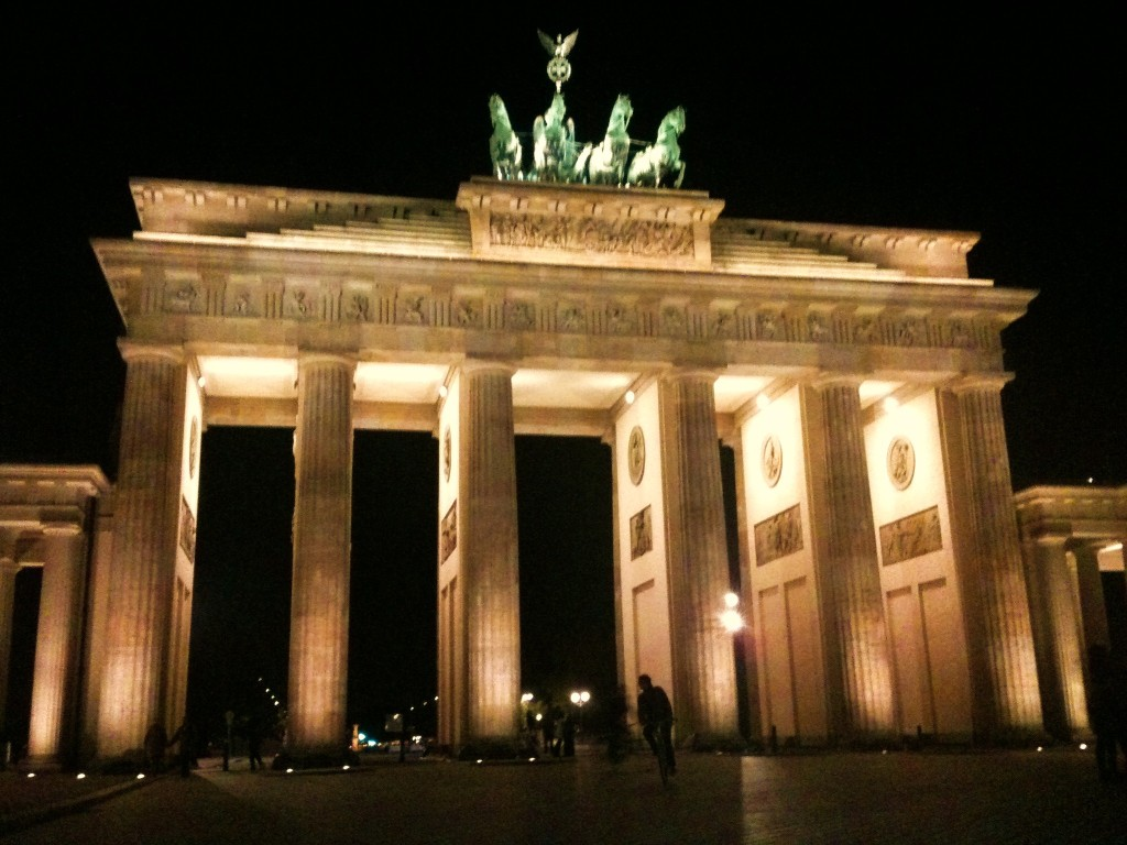 things to do in berlin - brandenburg gate