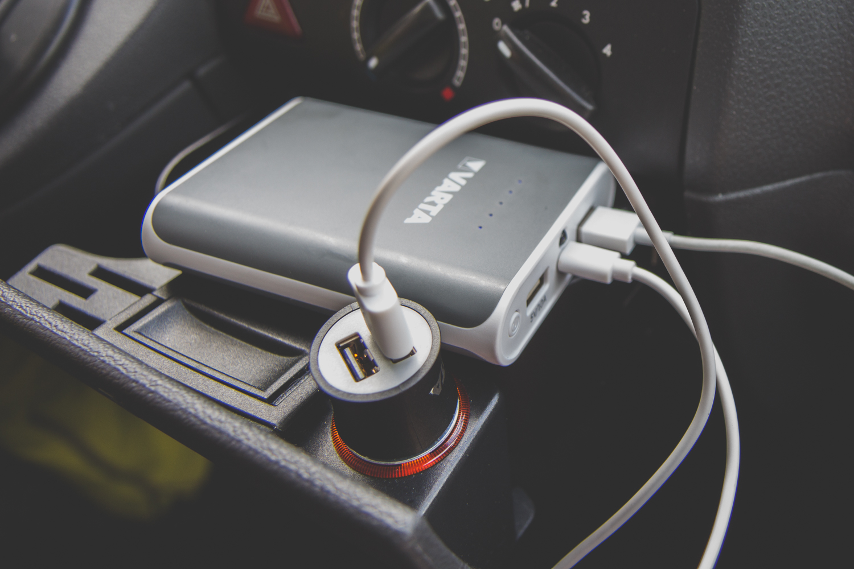 road trip suedtirol VARTA Consumer Powerpack und Car Power