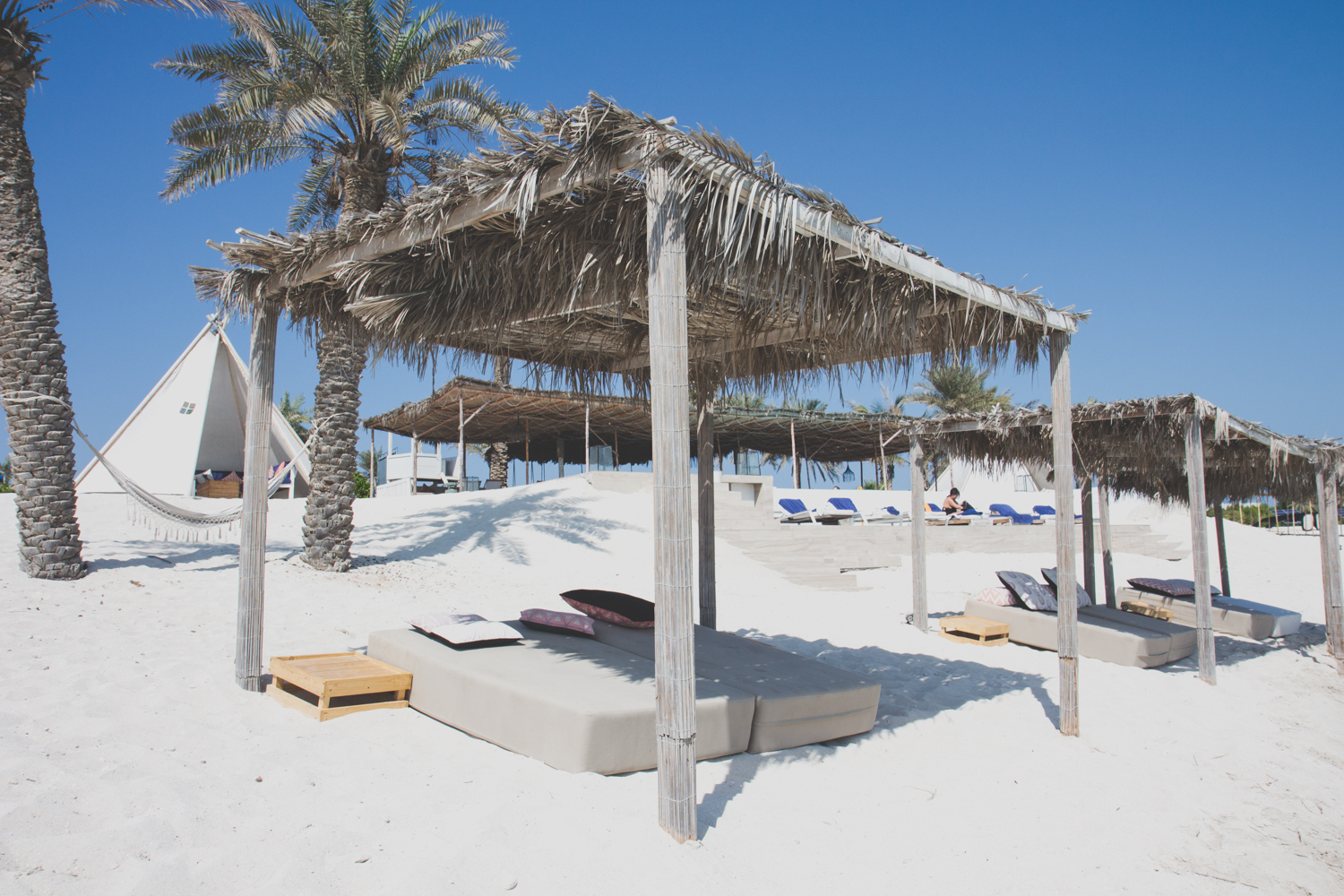 zaya nurai island sunbed, things to do in abu dhabi